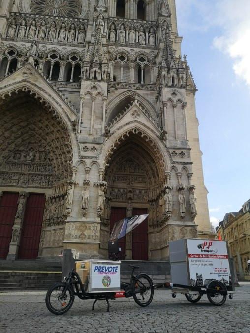 Un vélo livre l'hyper centre d'Amiens