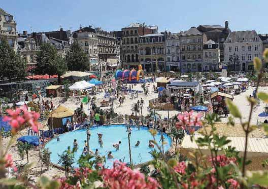 Le centre-ville se transforme en un véritable lieu de vacances et de détente.