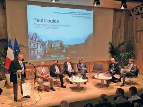 Paul Coulon, commissaire au redressement productif en picardie entouré de nombreux acteurs institutionnels et économiques.