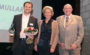 Emmanuel Mullard, créateur de Dim Expert, oscar de la 1000e remis par Caroline Cayeux, sénateur-maire de Beauvais et Jacky Lebrun, président de la CCIR