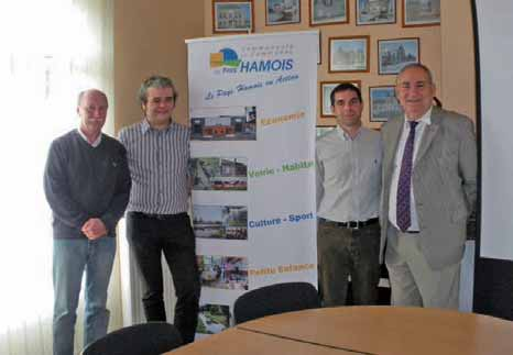Philippe Vandermeir, président cantonal de la FDSEA, Yoann Leblanc, Pdg de Vol-V biomasse, Victor Oury, chargé de développement Vol-V biomasse et Marc Bonef, président de la communauté de communes du Pays hamois (de g. à d.).