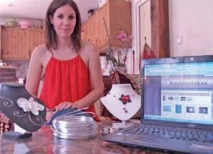 Lydie Touiyar crée des bijoux pour les futures mariées et les expose sur son site tendance-bijoux.fr.