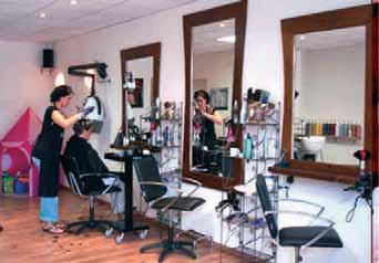 Le métier de coiffeuse pose le problème du recours au régime des auto-entrepreneurs.