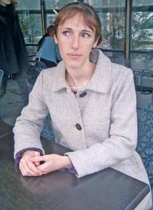 Agnès Buchoux anime des ateliers permettant la création de cosmétiques faits maison et écologiques.