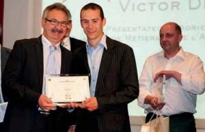 Zéphyrin Legendre, a félicité le 1er prix départemental Victor Debil-Caux, fondateur d'IEGC. Au second plan, le 2e prix, Brice Connesson.