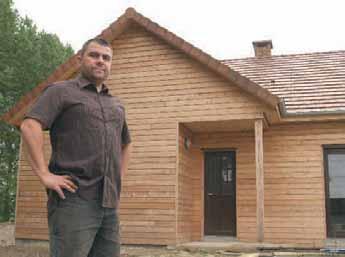 Cette première maison réalisée en 2011 doit servir de vitrine pour l'entreprise de Jérôme Bouteiller, qu'il cogère avec Anthony Courtin.