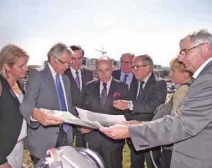 Bernard Cazeneuve a jeté un regard très attentif sur le projet du mono-site.