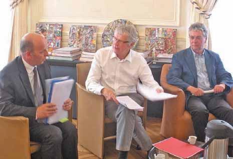 Michel Daumin, Gilles Demailly et Daniel Beaupère s'engagent pour accueillir des emploi d'avenir.