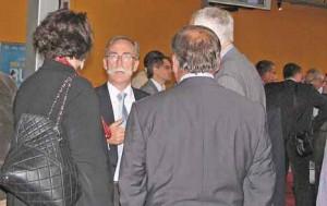 François Delhaye (au centre), président du tribunal de commerce de Beauvais, veut mieux faire connaître les missions de son institution et revaloriser son image.