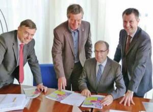 Les organisateurs de Passion d'entreprendre : -Jérôme Duprez, président de l'UIMM Picardie, Yves Dupont, président du Medef de l'Aisne, Charles Ribe, président de la CCI de l'Aisne, Xavier Pruvot, représentant du président de l'UIC Picardie-Champagne-Ardenne.