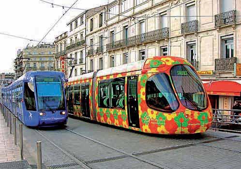 A Montpellier par exemple, le tramway aux wagons colorés est déjà devenu célèbre.