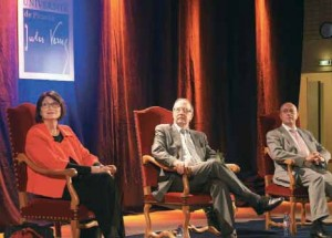 Michel Brazier, président de l'UPJV, entouré de Bernard Beignier et de Jacqueline Flauss-Diem.