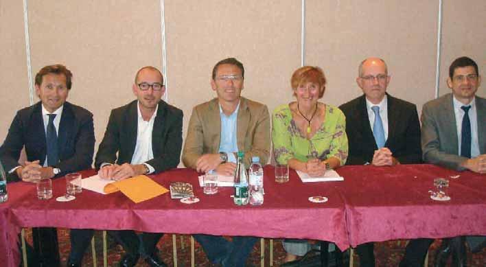 Au centre Marie Paule Voisin-Dambry vice présidente de l'IXAD, à sa d. Grégory Lefèvre, à sa g. Guillaume Defrance avocat