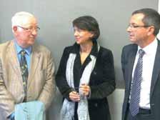 Henri Barbier, du Collectif interassociatif de la santé de Picardie, Christine Boutet-Rixe, du GCS e-santé, et Christian Huart, de l'ARS de Picardie (de g. à d.).