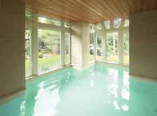 Idoine construit des piscines d'intérieur avec le souci d'élever sa réalisation au rang d'oeuvre d'art.
