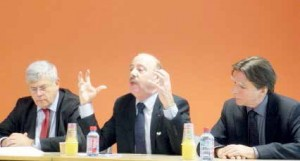 (de g. à d.) Nicolas Bour, Alain Gest et André Alexandre ont tenté de rassurer et de mobiliser autour du canal Seine-Nord