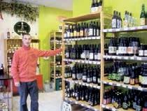 La cave du Houblon compte plus de 200 références de bières régionales et belges.