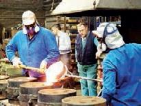 L'entreprise Autexier est équipée d'une fonderie manuelle qui coule des pièces de bronze et de cupro-aluminium.