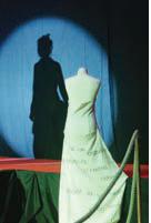 De l'ombre à la lumière, les détenus ont défilé sous la houlette de l'association de réinsertion par la couture les trophées d'Amiens