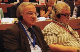 Le président du conseil régional siège au Comité des régions de l'Union européenne (ici en 2011), où il remettra un rapport sur la politique industrielle européenne.