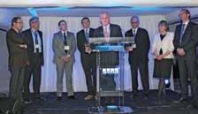 L'inauguration a été l'occasion pour Frédéric Noiret (au centre), ses équipes et les direction région Nord, de rencontrer les clients de KPMG.