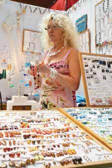 Satisfaite de l'organisation, Armelle est présente depuis une douzaine d'années à la Foire expo.