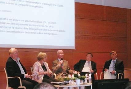 Les participants à la table ronde autour du préfet de l'Aisne, Pierre Bayle, et Ginette Plâtrier, présidente départementale de la FFB de l'Aisne.