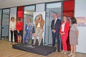 (de haut en bas) Stéphanie Olié et Frédérique Baledent-Patte, respectivement directrice du centre d'affaires d'Amiens et du centre d'affaires régional AILS, et leur équipe.