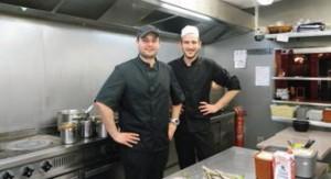 Nicolas Decle et Teddy Lemaitre, cuisiniers de La Bistouille, n'envisagent pas de travailler autre chose que des produits frais.