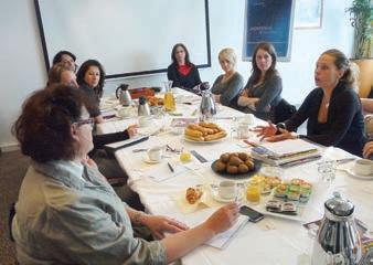Véronique Martin, en haut à droite, directrice de l'agence Presstance.