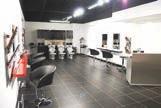 Un salon de coiffure flambant neuf dans la galerie marchande d'Intermarché à Roye.