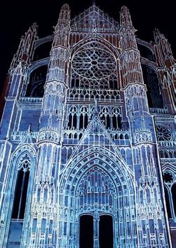 C'est à la tombée de la nuit, la cathédrale Saint-Pierre se raconte en couleurs et en musiques.