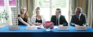 Les contrats ont été signés à la préfecture de région.