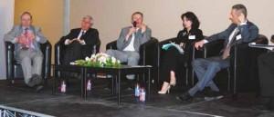 Table-ronde sur l'écotaxe, avec les différents protagonistes, lors de l'assemblée générale de la FNTR Picardie.