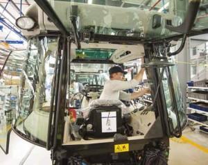 La ligne de cabines installée à Beauvais 2 fabrique 100 cabines par jour.