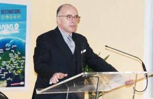 « Une politique budgétaire ne peut pas se faire hors sol, elle doit s'enraciner dans la réalité du pays, », selon le ministre Bernard Cazeneuve, venu échanger avec les acteurs économiques de l'Oise.