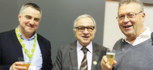 Le président de la chambre régionale d'agriculture Christophe Busset, le président du conseil régional Claude Gewerc et Georges Fourré,conseiller général de Charly-sur-Marne.
