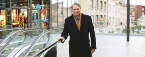 Michel Foubert en haut du nouveau complexe commercial de la place du Marché-aux-herbes.