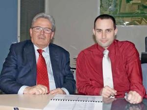 Michel Liot, président de la SAGEB et Emmanuel Combat, directeur de l'aéroport.
