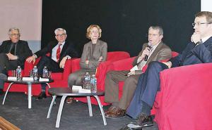 « De la fourche à la fourchette, l'agro-alimentaire est l'un des piliers du commerce extérieur français », selon la ministre Nicole Bricq.