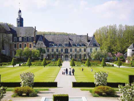 Les jardins de Valloires accueilleront un peu plus d'une demi- douzaine de professionnels des métiers d'art (peintres en décor, orfèvres, céramistes et sculpteurs).