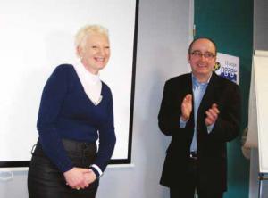 Laeticia Hard (à g.) qui a rebondi avec l'Adie et son magasin à Flesselles et Thierry Lurienne, directeur régional de l'Adie Normandie/ Picardie.