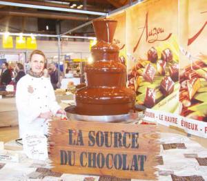 """Le salon du chocolat et gourmandises a mis les sens des visiteurs en éveil, avec notamment zouzous"""" du chocolatier amiénois Auzou."""