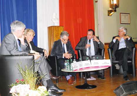 (de g. à d.) Bruno Massiet du Biest, Caroline Cayeux, Jean-Pierre de Kerraoul et Henri de Maublanc, président et fondateur du groupe Aquarelle.