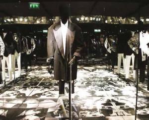 Estampe a travaillé pour la magnifique exposition Inspirations consacrée au créateur de mode belge Dries Van Noten, au musée des Arts décoratifs de Paris du 1er mars au 31 août.