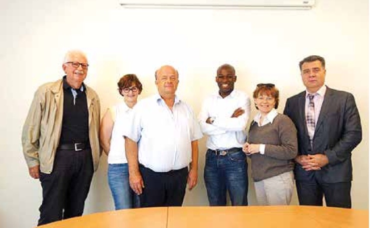 Les partenaires du trophée imaginé par Stéphane Kuissu (au centre) en ordre de bataille.