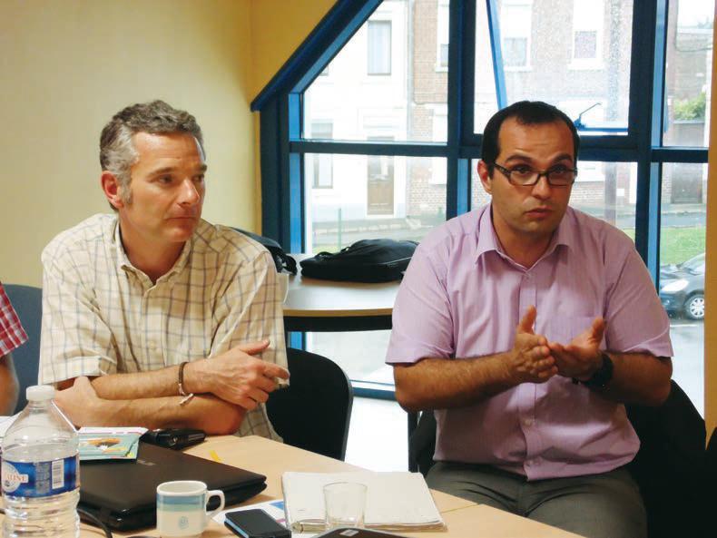 Le directeur du SPEE, Vincent Pibouleu (à droite), a expliqué les avantages du dispositif.