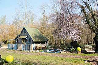 Une des cinq maisons-cabanes situées au coeur du site naturel des hortillonnages d'Amiens