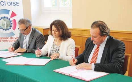 Zéphyrin Legendre, président de la CMA de l'Oise, Pascale Loiseleur, présidente de la CC3F, et Philippe Enjolras, président de la CCI Oise, ont signé une convention sur la mise en place d'un système de collecte des déchets professionnels, le 3 juillet.