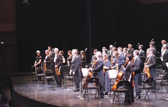 Arie van Beek est depuis 2011 directeur musical de l'orchestre de Picardie, depuis 2013, directeur musical et artistique de l'orchestre de chambre de Genève, chef d'orchestre résident du Doelen Ensemble à Rotterdam ainsi que chef d'orchestre, professeur et programmateur de concerts au Codarts - Conservatoire supérieur de musique de Rotterdam.